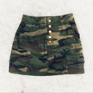Forever 21 Camo Button Front Skirt Size Small